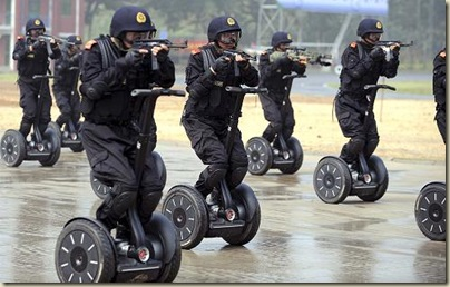 china-military-segway-tiny-guns